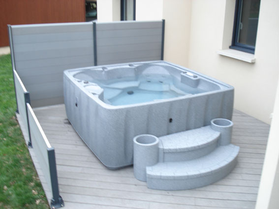 spas jacuzzi laval 53 bonheur piscines. Black Bedroom Furniture Sets. Home Design Ideas